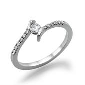 טבעת יהלום 0.2 קראט עם יהלומים צדדיים במשקל 0.14 קראט